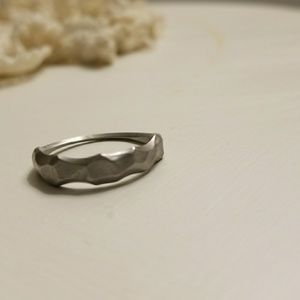 💎Charming Stainless Silver Ring💎 NWOT